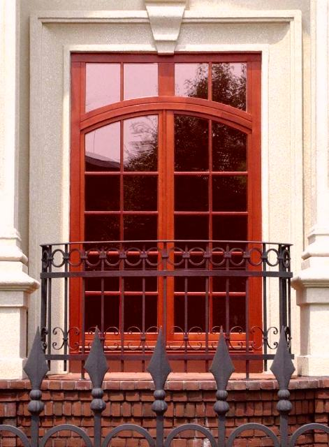 Venta de puertas balcon venta de ventanas balcon for Fabrica de ventanas de madera en buenos aires
